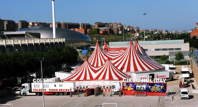 carpa del circo holiday
